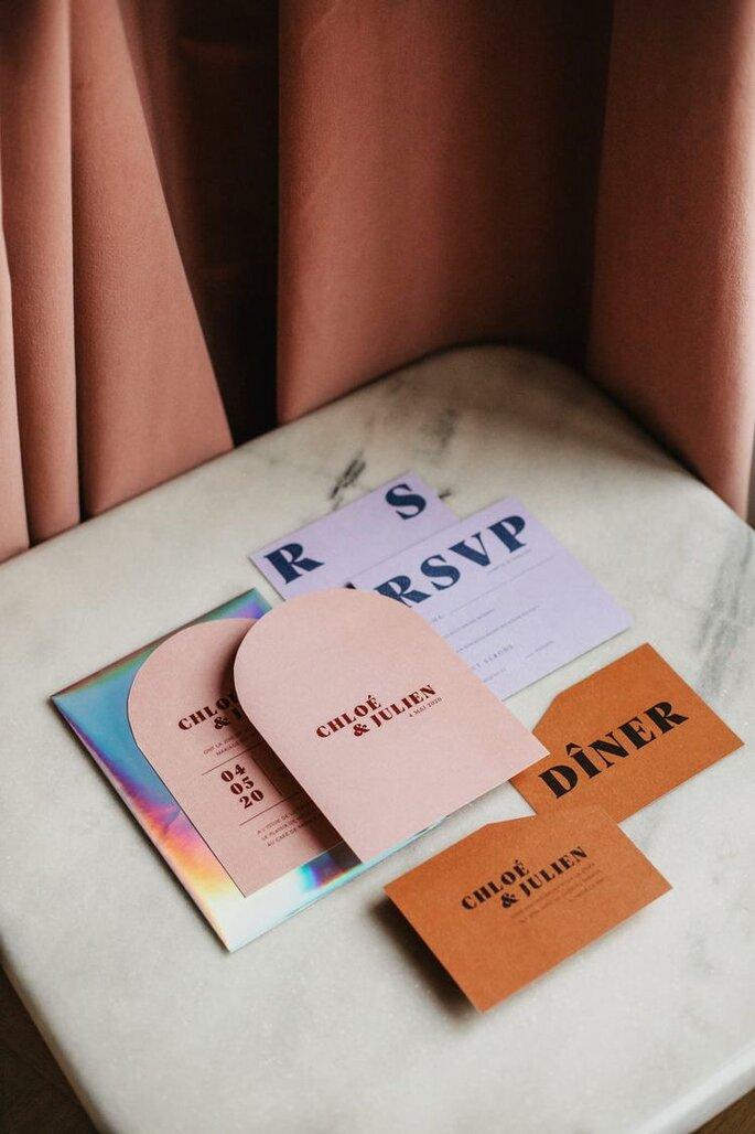 Hochzeitseinladungen Trends Bohemian Design mit abgerundeten Ecken Rahmen Design bunt und mdoern