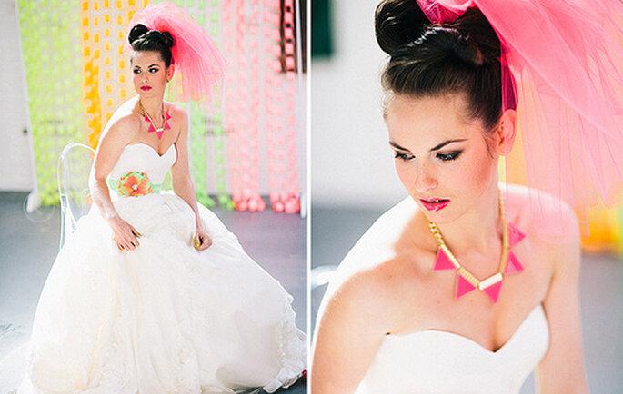 Accesorios y maquillaje para novia con toques en colores neón. Fotos: