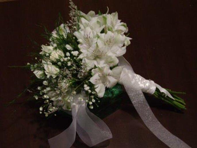 Ravissant ce bouquet de mariée de saison - Photo: Los lirios del campo facebook oficial
