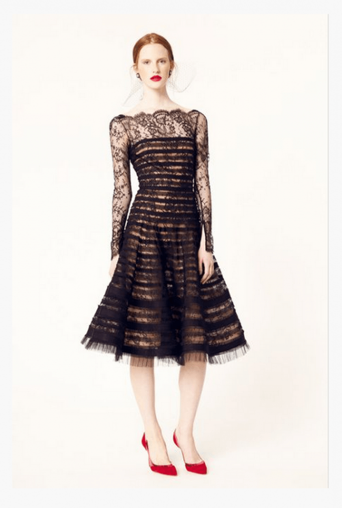 Vestido de fiesta 2014 en color negro con detalles confeccionados con encaje - Foto Oscar de la Renta