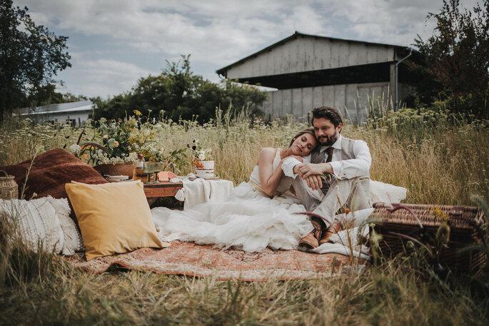 Picknick Brautpaar Gartenhochzeit