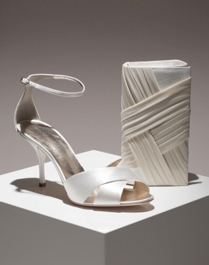 Zapatos de novia con cinto al tobillo - Foto Giuseppe Zanotti