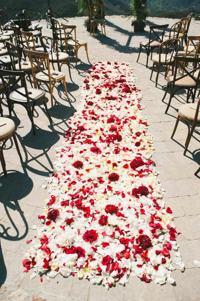 Decoración para un mágico camino hacia el altar - onelove photography