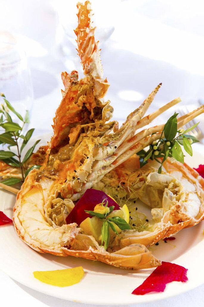 Délicieuse salade de langouste aux fruits exotiques.