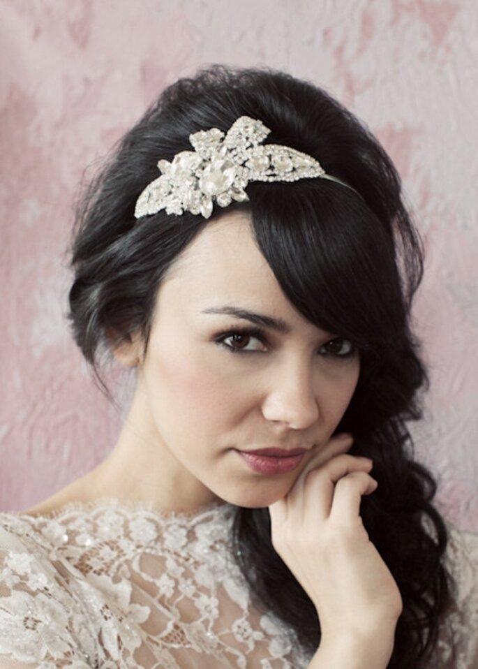Diadema estilo vintage con diamantes para novias - Foto Sarah Seven