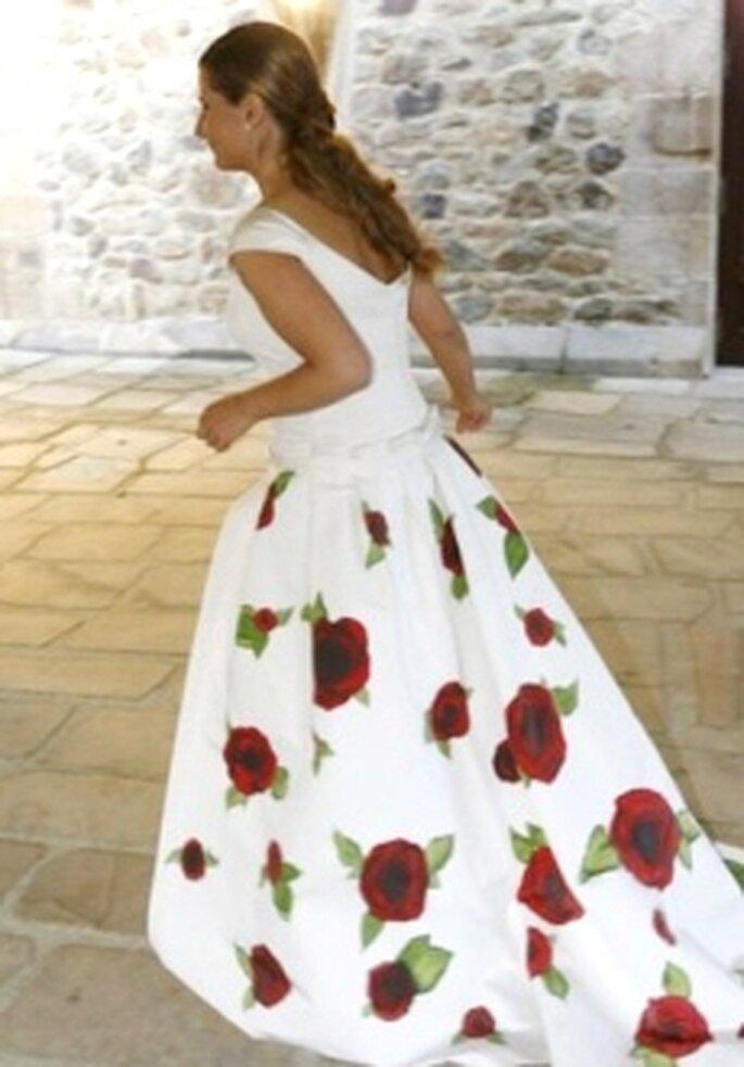 Jorge Acuña 2010 - Vestido largo de corte evasé, estampado floral en falda