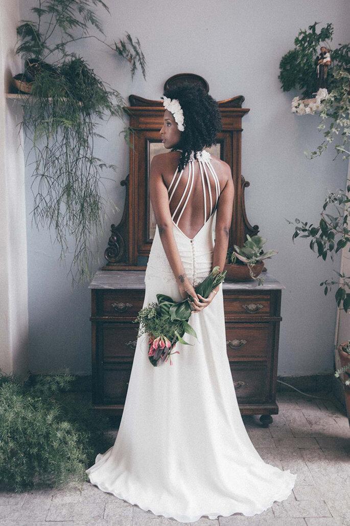 Vestido noiva detalhe costas