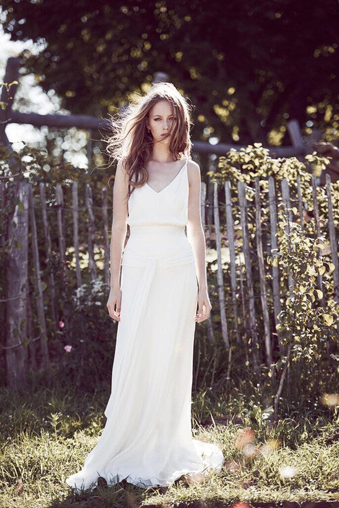 Vestido de noiva para casamento civil estilo fluído e reto
