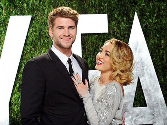 Miley Cyrus y Liam Hemsworth en la gala de Vanity Fair 2012 - Foto sitio oficial de Miley Cyrus