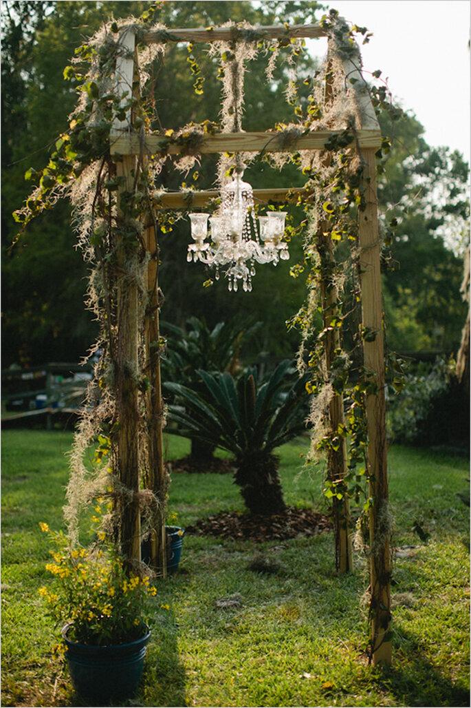 Decoración de boda con elegantes candelabros - Foto Kallima Photography