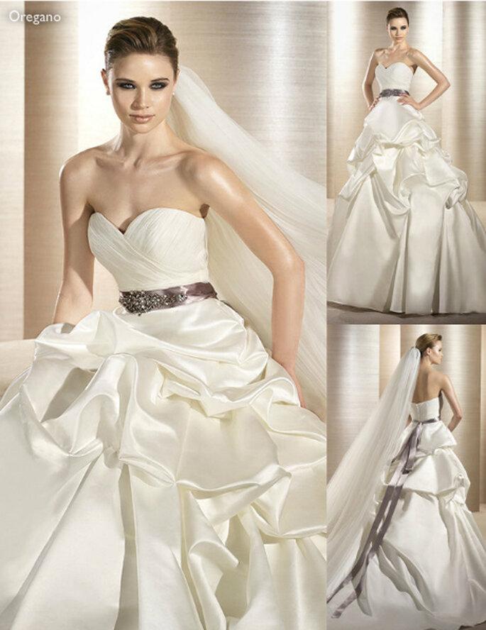 Vestido de novia con falda de pliegues y elegante cinto con brillantes - Foto Atelier Diagonal