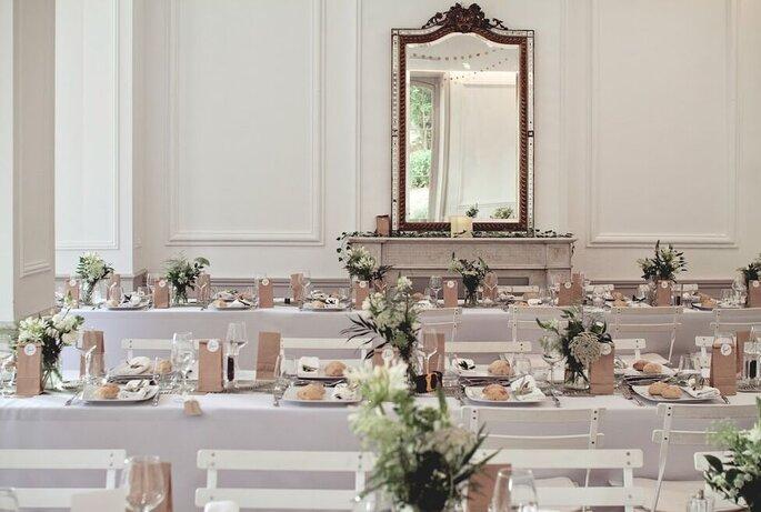 Tables de banquer en intérieur, décoration sobre, chic et champêtre