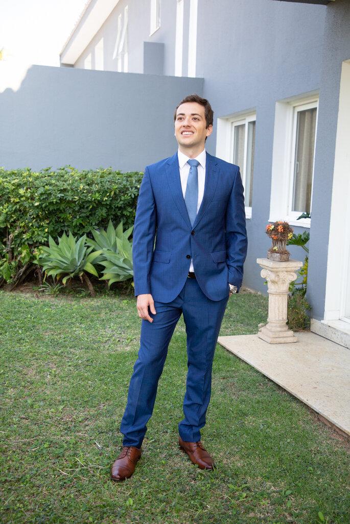 Traje e gravata do noivo: Hugo Boss - Foto: Rodrigo Sack