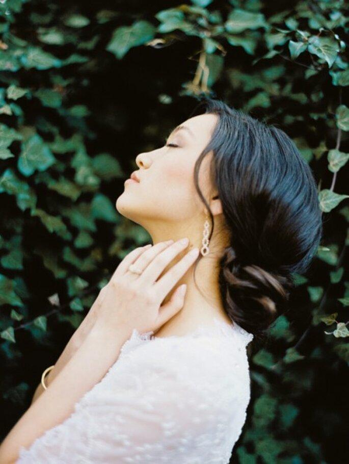 Luce una piel perfecta en tu boda con moras azules y plantas medicinales - Foto Ciara Richardson