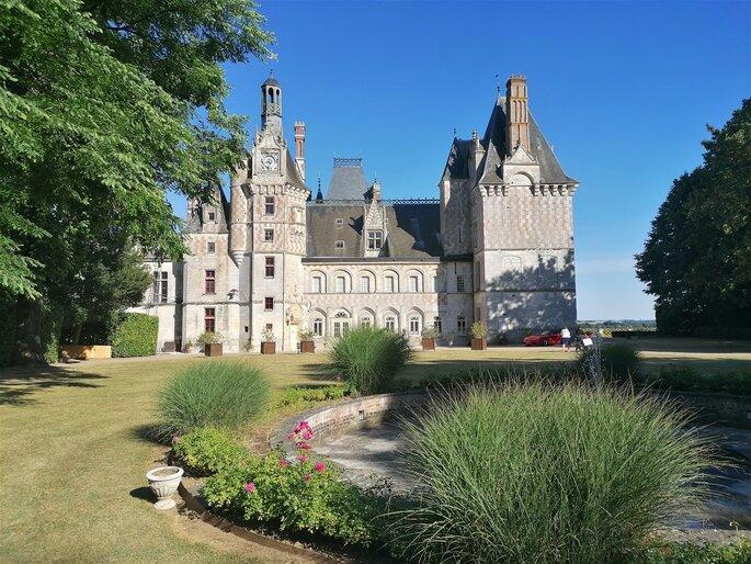 Un château en guise de lieu de réception pour votre mariage