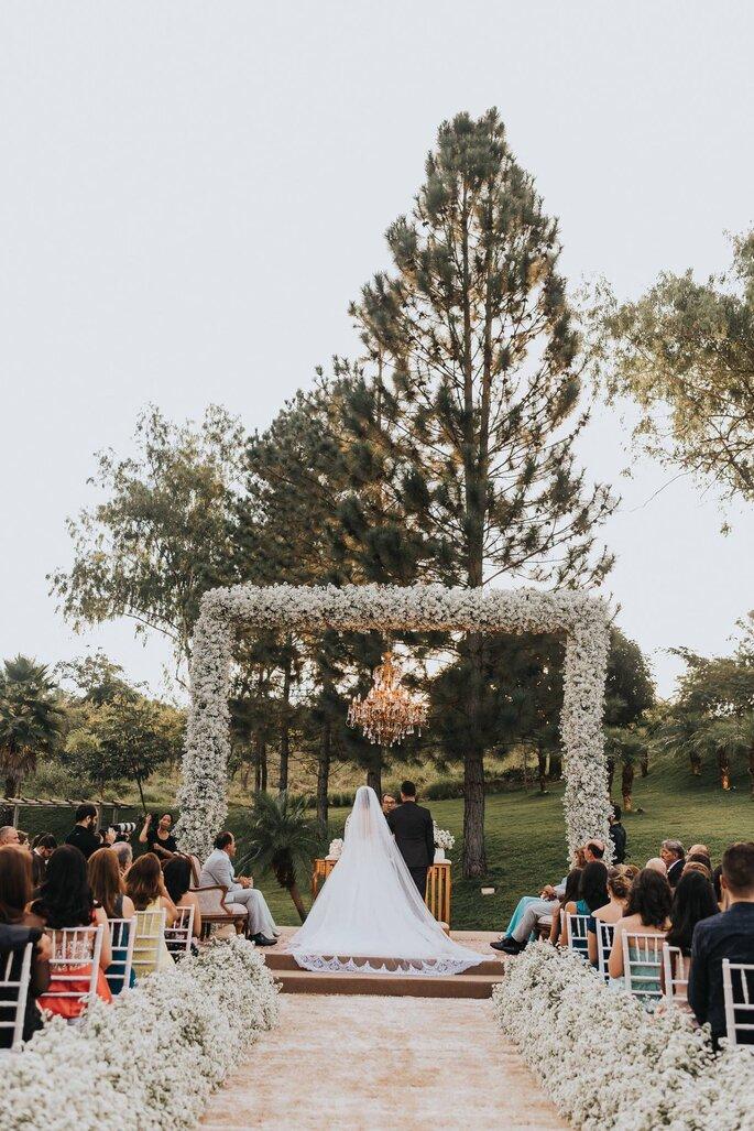 Decoração e flores: Maria Helena Design de Eventos - Foto: Matheus Brito Wedding & Lifestyle