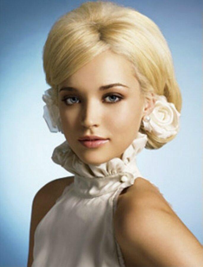 Occhi sfumati e labbra naturali...abbinamento perfetto per una sposa bionda. Foto www.dieta-e-bellezza.myblog.it