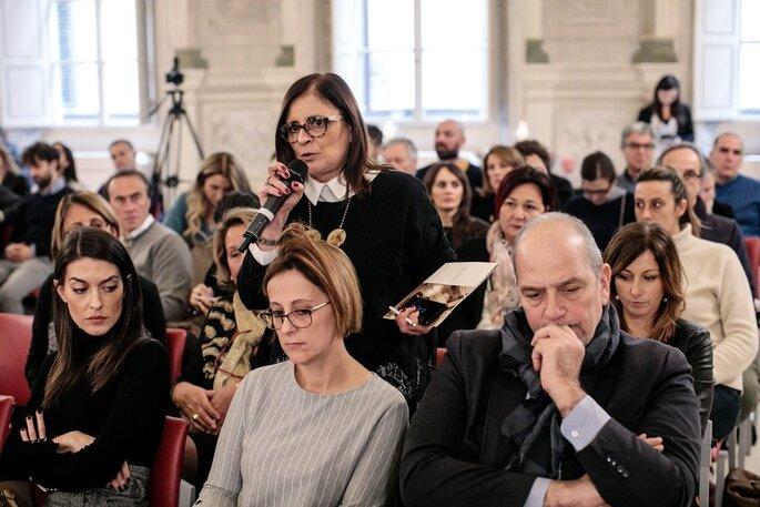 Standing ovation dei presenti in sala quando si parla di deontologia dei wedding planner