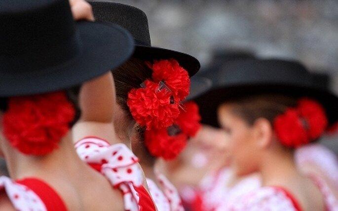 Colección de vestidos de fiesta de aire flamenco Pronovias 2010