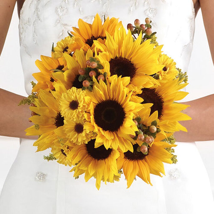 Bouquet de Noiva feito de Girassóis- www.wishingwellflowers.net