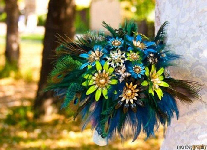 Besonderer Brautstrauß aus Federn - ein ganz besonderes Andenken, Foto:etsy - Shop:Hairbowswonderworld