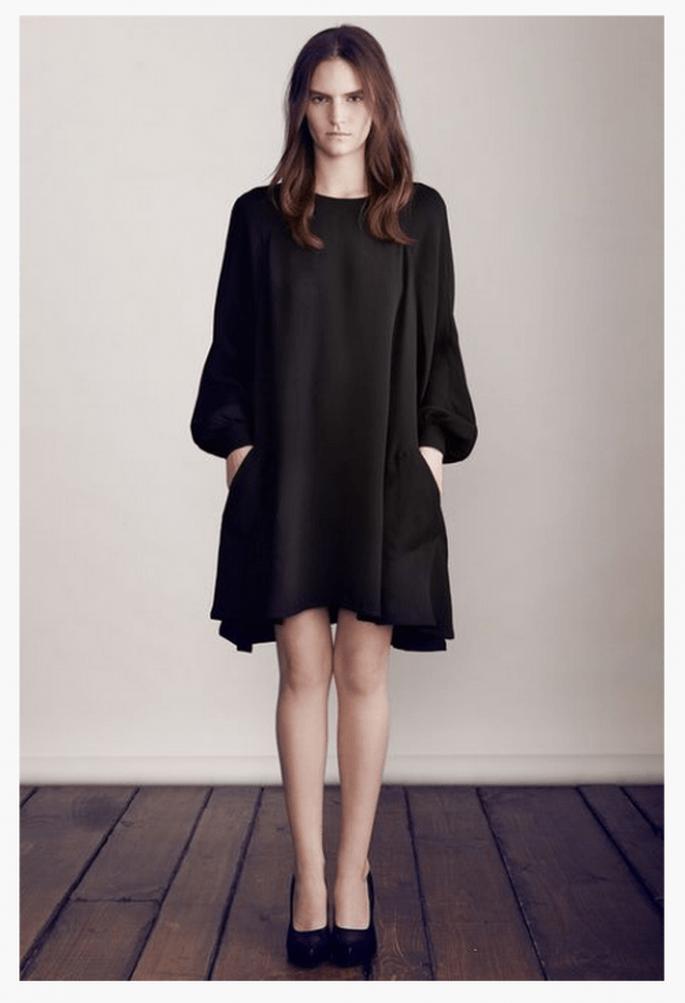 Vestido de fiesta 2014 en color negro con silueta holgada y mangas bombachas - Foto Co