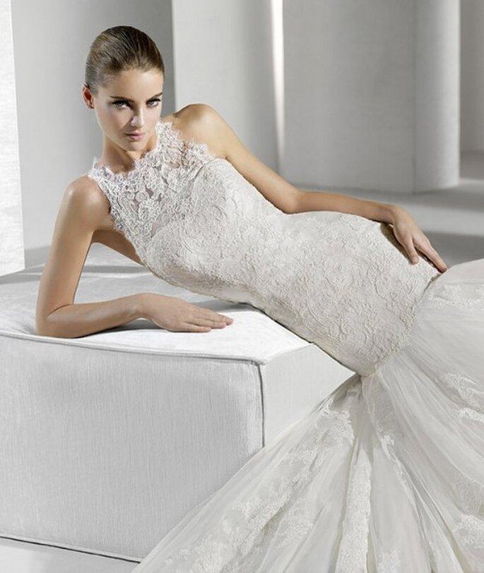 Vestido de novia con encaje grueso. La Sposa 2012