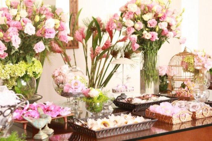 Degustações de Bolos, Brigadeiros e Bem-casados - Chá de Camomila Noivas