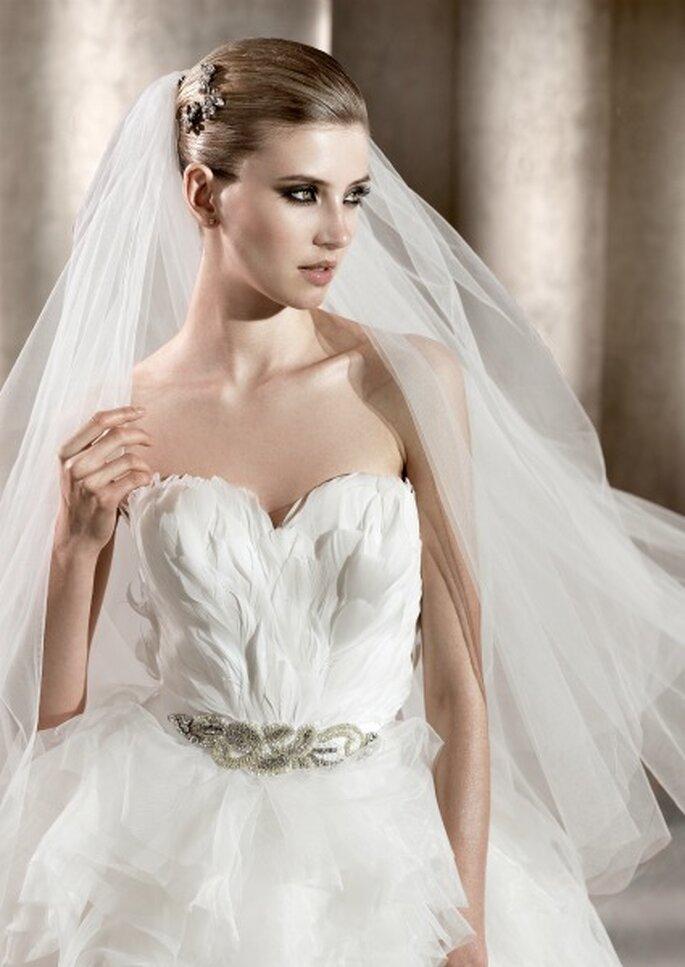 Vestido de novia con cuerpo de plumas, de Pronovias 2012. Foto: Pronovias