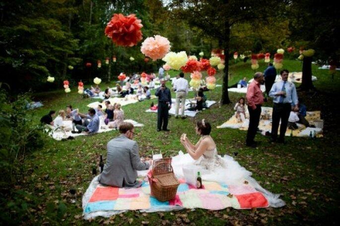 El verano permite celebrar bodas al aire libre. Foto: Mariages et babillages
