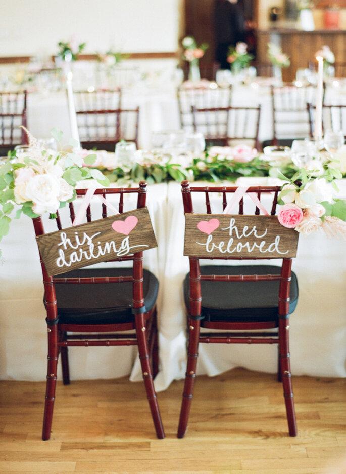Stuhldekoration für die Hochzeit