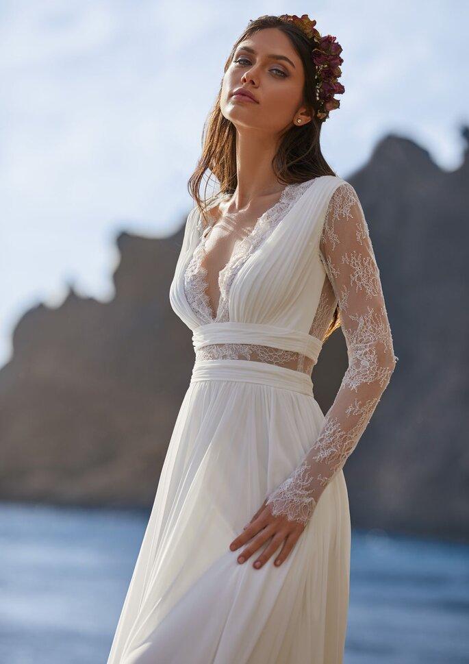 Pronovias Premiere 2021 Vestido de novia sirena con escote de pico con manga larga con espalda de encaje en gasa