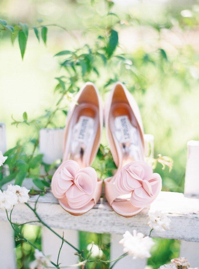 Zapatos de novia en lindos colores - The Great Romance