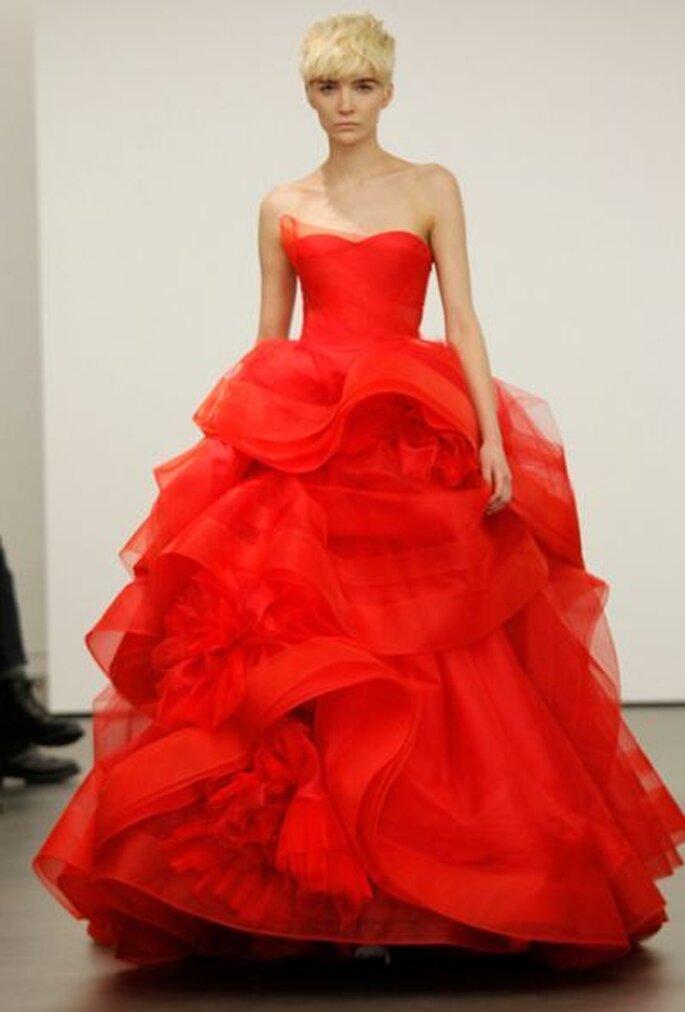 Brautkleid in der Trendfarbe Rot - aus der Brautkleidkollektion von Vera Wang 2013