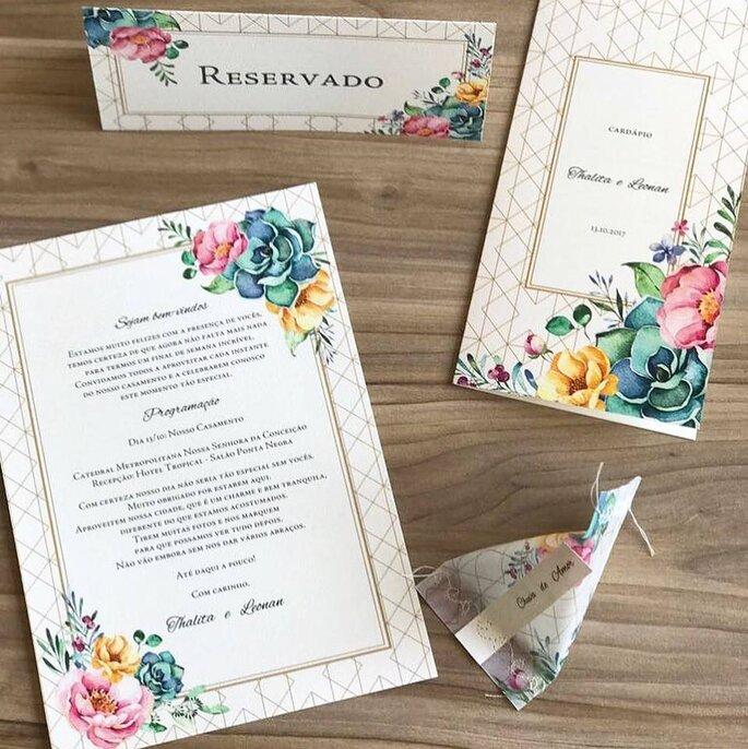 Convites de casamento coloridos
