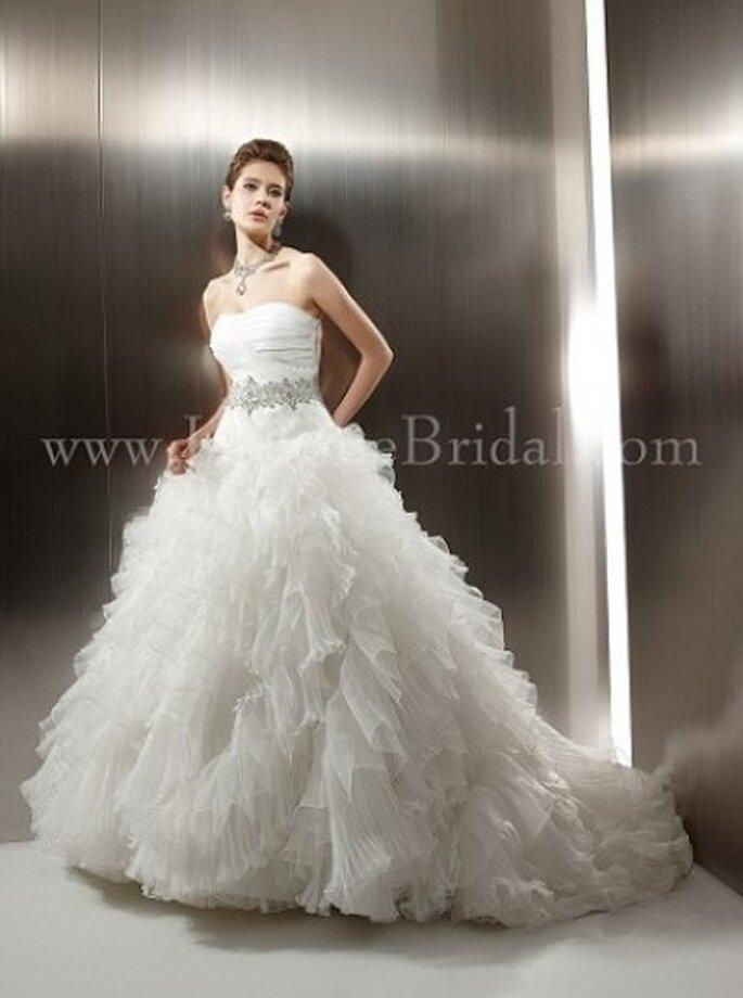 Extravagantes Brautkleid mit Tüll und kleiner Schleppe – Modell T480
