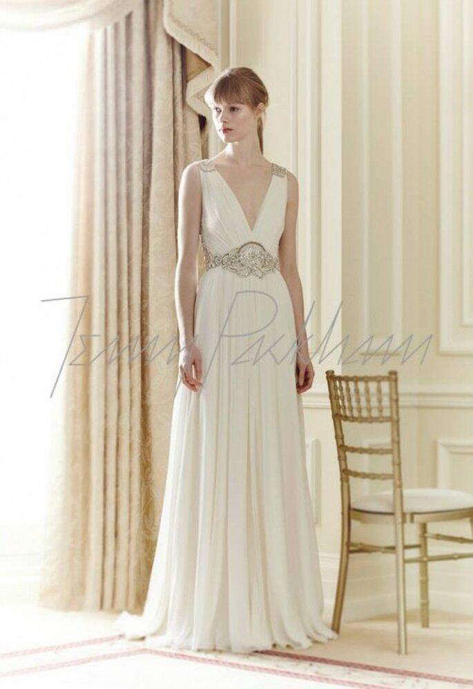 Vestido de novia 2014 sin mangas, con cuello en V y cinturón de pedrería - Foto Jenny Packham