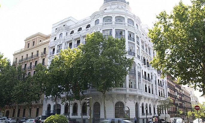 El romántico edificio en el que está emplazado el hotel Petit Palace Savoy Alfonso XII