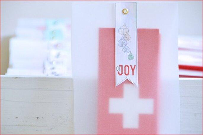 Schön verpackte Taschentücher zum Trocknen der Freudentränen. Foto: einhochzeitsblog