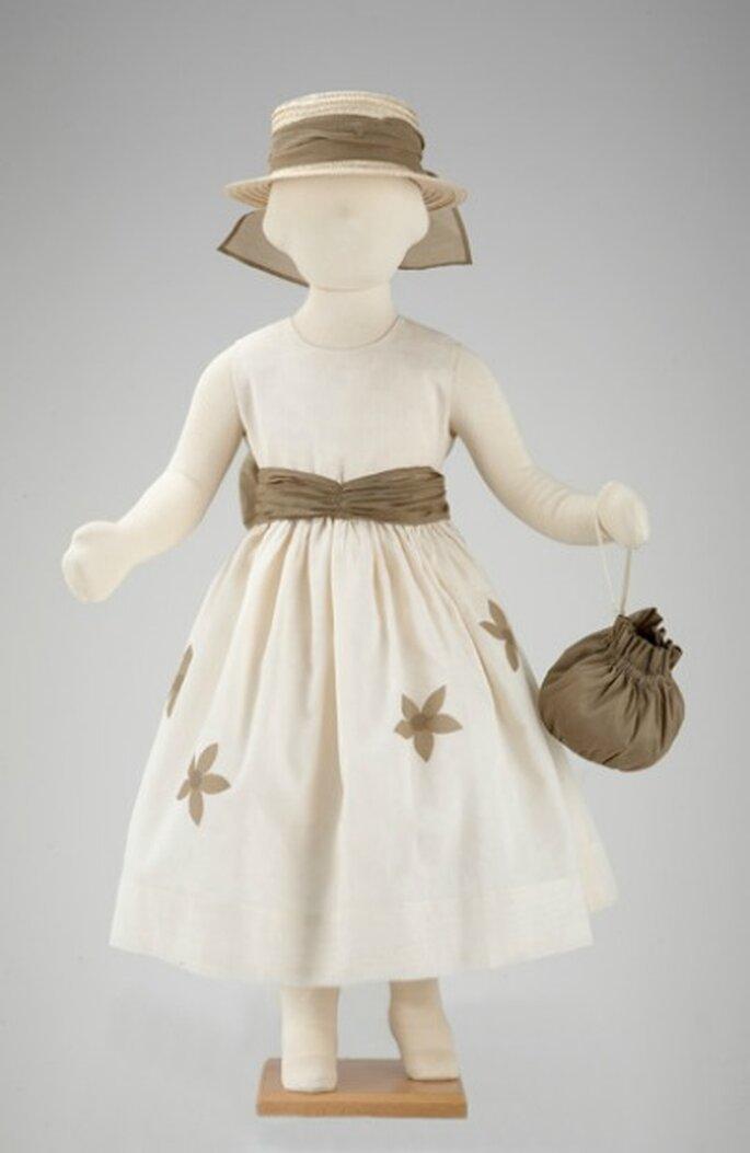 Robe d'enfant d'honneur délicieuse - source : Tambours et Trompettes