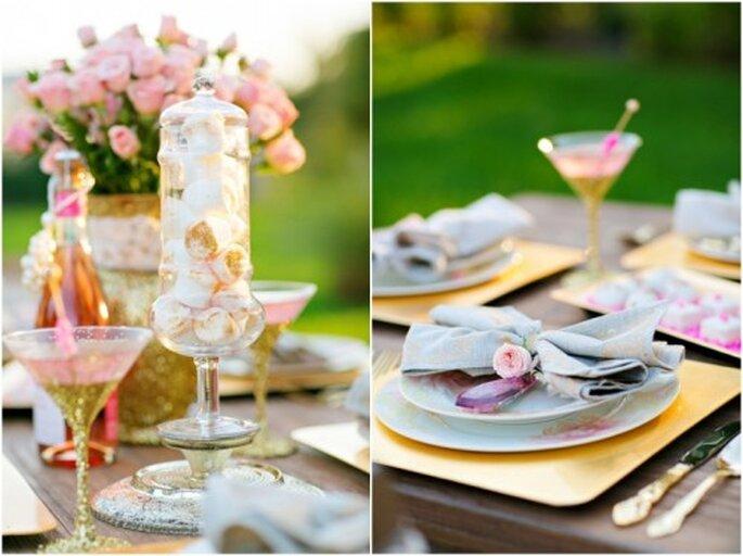 Montaje de mesa para boda en color rosa destellante y dorado - Foto Set Free Photography
