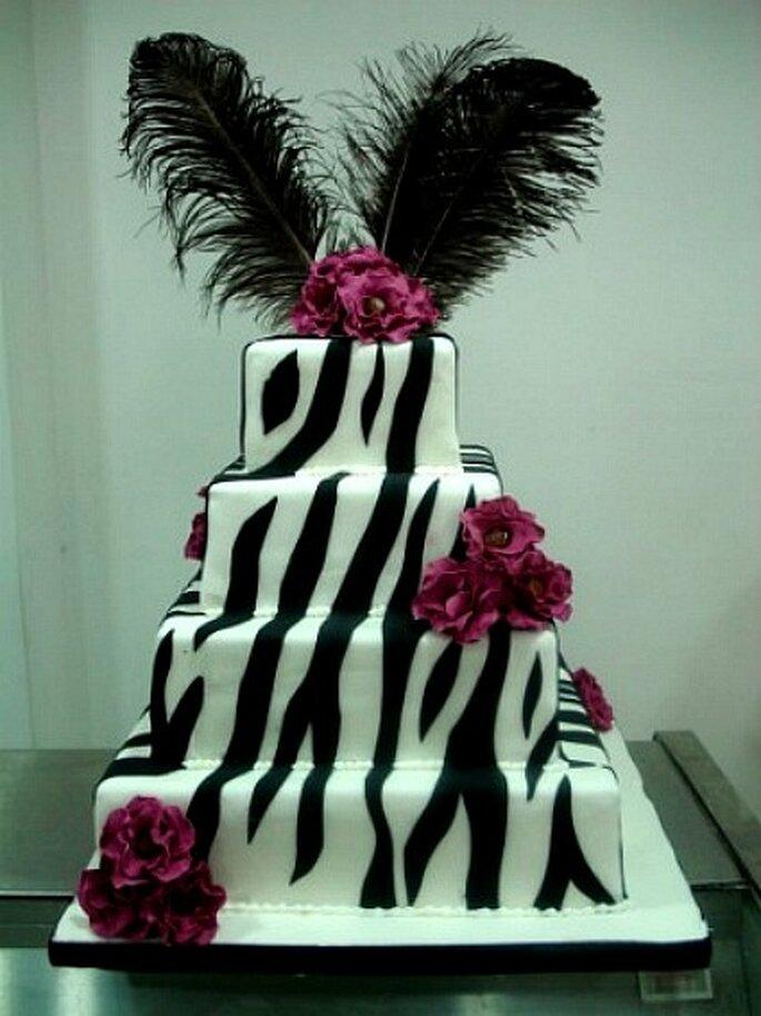 Atrvete con una creativa torta de novios