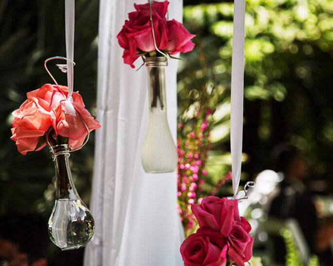 Arreglos florales colgantes - Foto: Attitude Fotografía