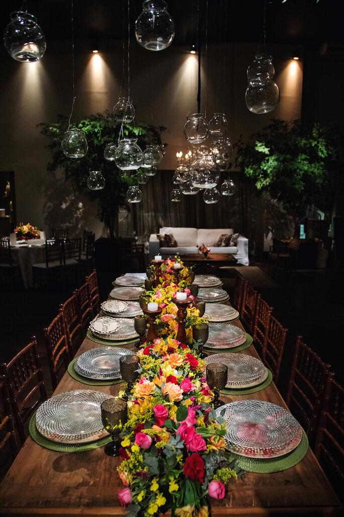 Decoração e flores: Flora Kato Eventos - Foto: Tardelli Photos