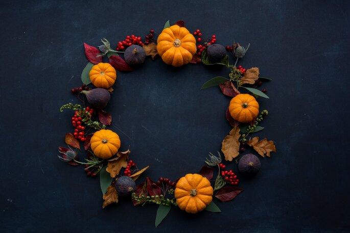 Dekoration im Herbst aus Kürbis