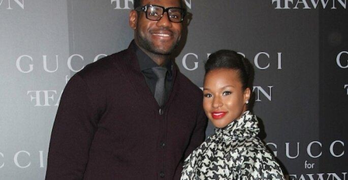 El basquetbolista LeBron James comprometido