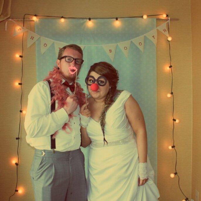 Ideas para hacer una photobooth de boda DIY - Foto DeannaMariePhotos