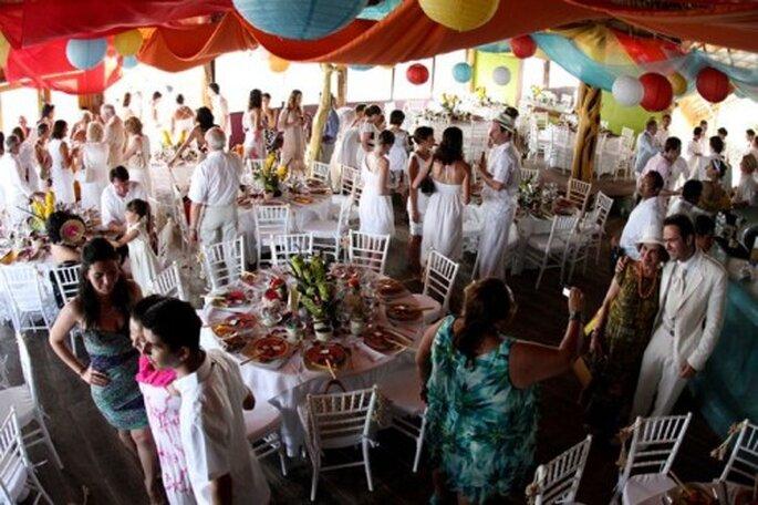 Aprende cómo acomodar a tus invitados en la recepción de boda - Foto Leven Foto