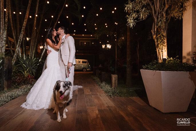 Casal com cão