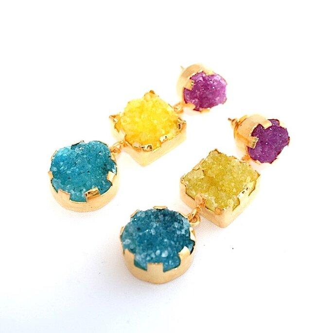 Pendientes de piedras de colores, Caislda Finat Mc.